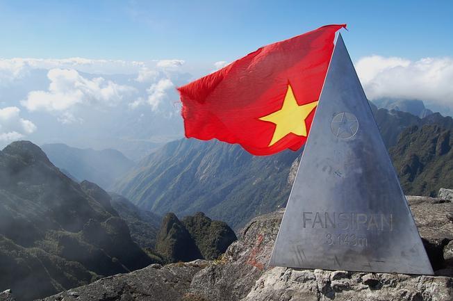 Cuộc thi leo núi Chinh phục đỉnh Phan Si Păng hấp dẫn du khách