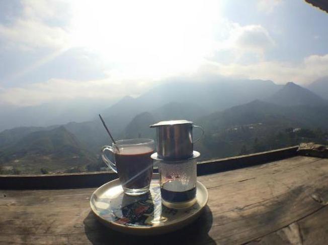 Ly cafe vùng cao mỗi sớm