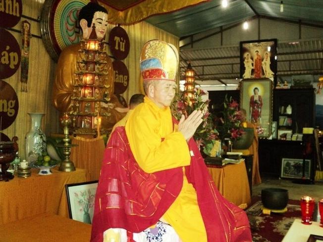 Người gánh nắng cho chùa Từ Tôn