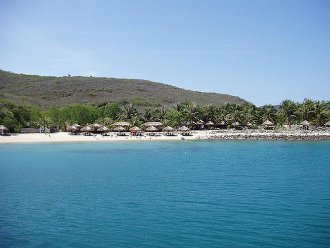 Dam Bay area with beautiful beach scenery