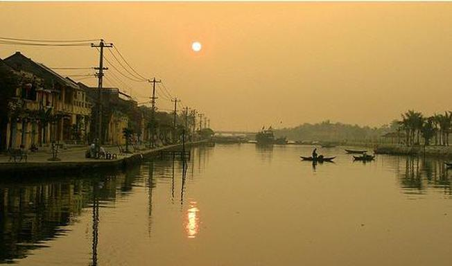 Sáng sớm về trên dòng sông hiền hòa tại điểm đến Hội An - Dòng Sông Thu Bồn điểm đến ẩn sâu trong tiềm thức
