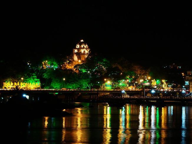 Lễ Hội Tháp Bà Ponagar Nha Trang