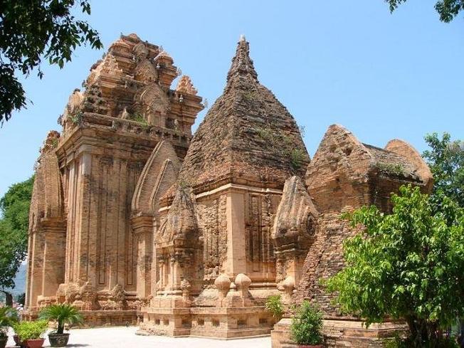 Tháp Bà Ponagar Ở Nha Trang