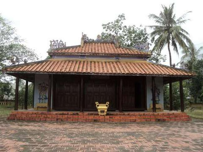 Mái đình rêu phong cổ kính đem lại cảm giác bình yên cho du khách
