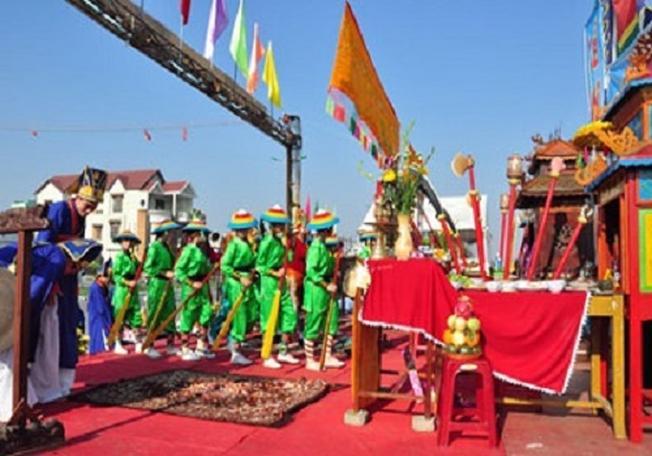 Lễ hội Cá Voi được tổ chức để cầu mong mưa thuận gió hòa, quốc thái dân an
