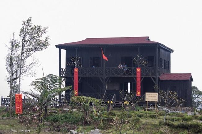 Ngôi nhà gỗ của bác sĩ