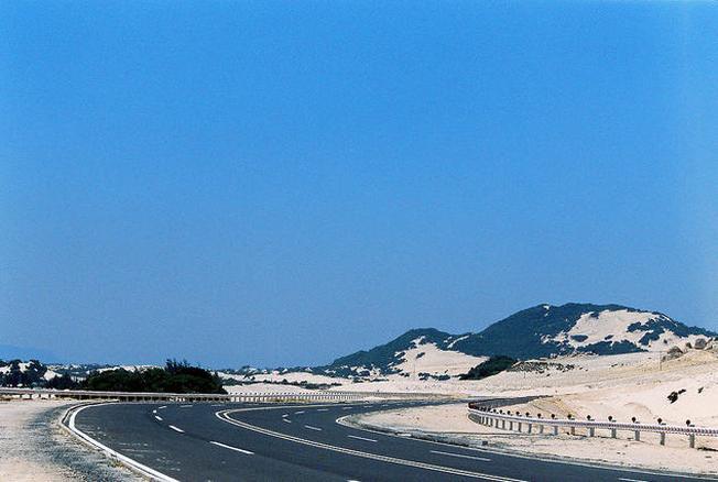 Đường đi đến bán đảo Đầm Môn