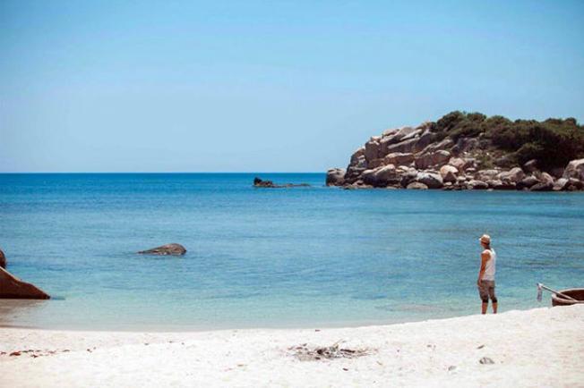 Đầm môn nổi tiếng với bãi cát trắng và biển xanh biếc
