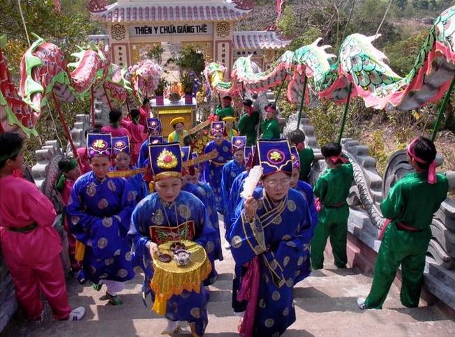 Nha Trang đặc sắc với những lễ hội