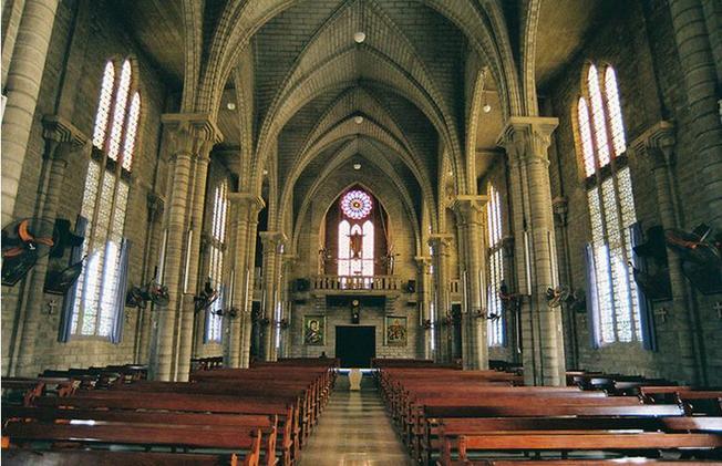 Toàn cảnh cấu trúc nhà thờ đá Nha Trang