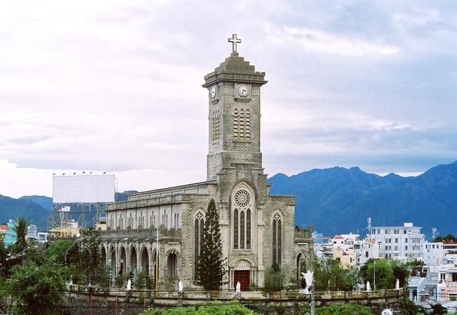 Hình ảnh Nhà thờ đá Nha Trang