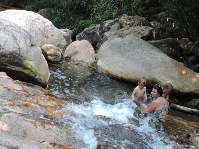 Phong cảnh hữu tình của một trong 14 ngọn thác ở Suối Tiên