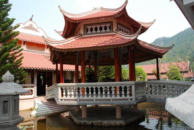 Một góc chùa Phong Linh
