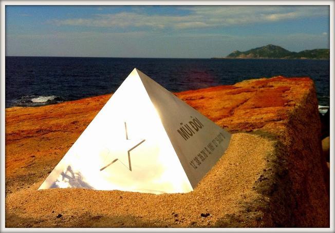 Mũi Cực Đông là danh thắng Nha Trang đẹp thu hút nhiều tín đồ đam mê phượt