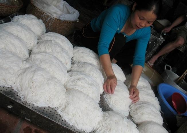 Những sợi bún trắng tinh