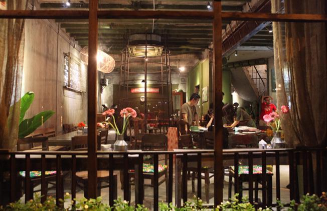 Không gian của Cộng café