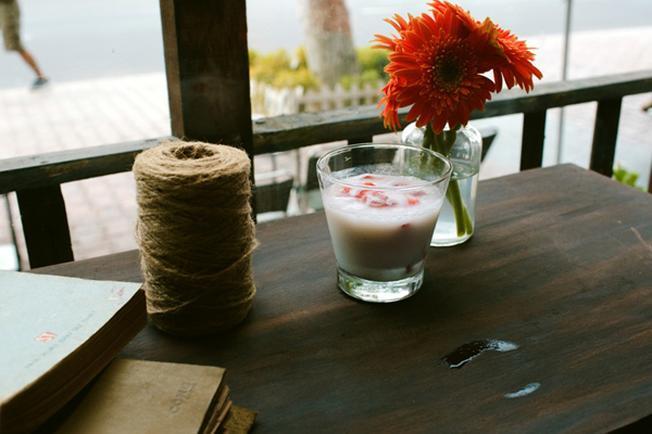 Ngắm sông Hàn với ly café thơm ngon