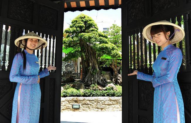 Cổng chào café sân vườn Trúc Lâm Viên