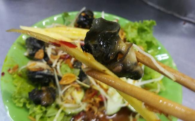 Thưởng thức món ốc bươu Đà Nẵng