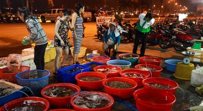 Địa điểm du lịch Đà Nẵng: khám phá chợ Hải Sản