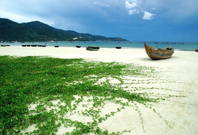 Đà Nẵng sở hữu một danh sách dài những bãi biển đẹp