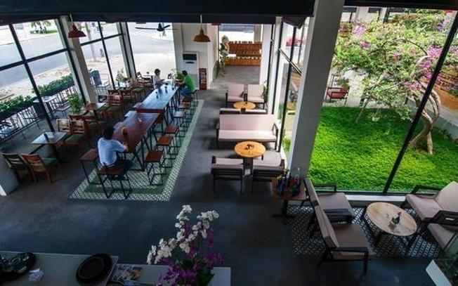 Danang Souvenirs & Cafe có cà phê ngon và nhiều món quà lưu niệm ý nghĩa