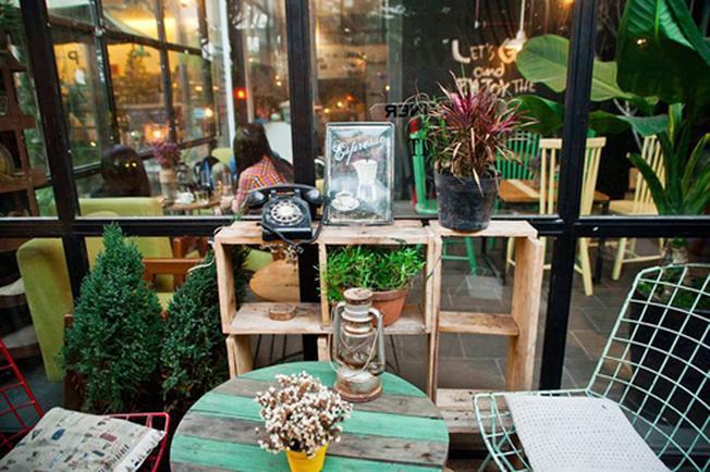 PAPA Container Coffee thưởng thức cà phê ngon với cảnh đẹp bắt mắt