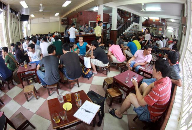 Cà phê Long không là địa điểm ăn uống không bao giờ vắng khách