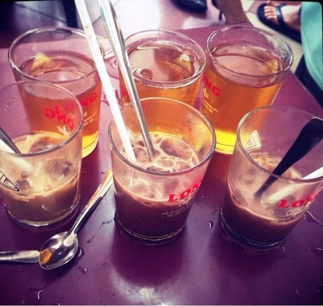 Những ly cà phê Long to đặc biệt