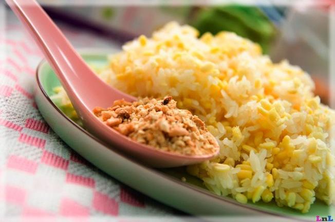 Xôi là một trong những món ăn quen thuộc của người Việt