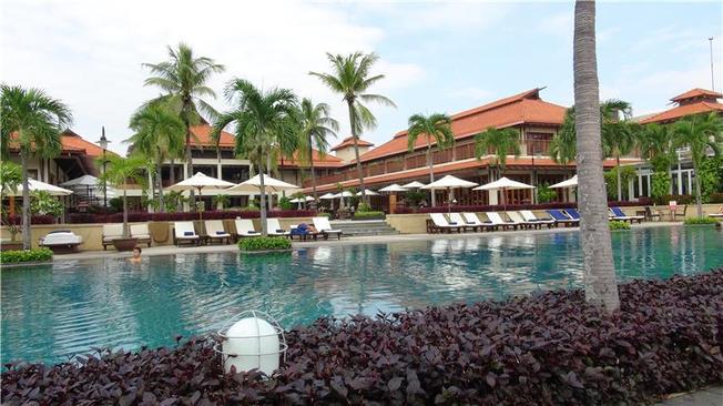 Furama Resort Danang với bể bơi ngoài trời tuyệt đẹp