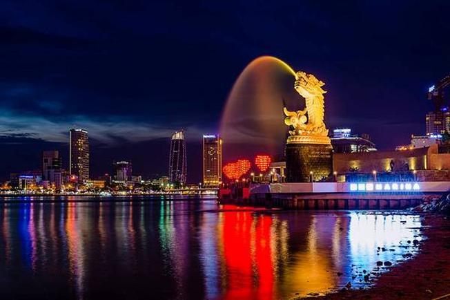 Cá chép hóa rồng trở thành biểu tượng mới cho điểm đến Đà Nẵng