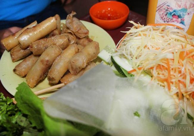 Ram cuốn cải món ăn nổi tiếng khắp Đà Thành