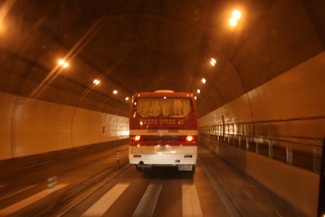 Đường hầm Hải Vân - công trình dài nhất Việt Nam