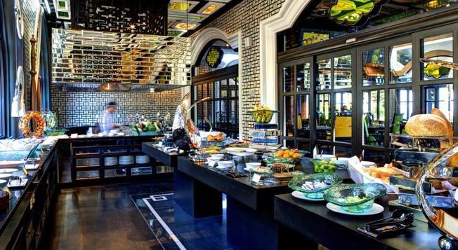 """Nhà hàng """"Tây"""" đốn tim khách du lịch ở Đà Nẵng"""