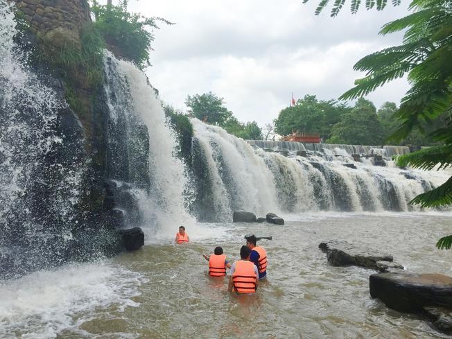 Địa điểm du lịch Đà Nẵng Thác nước Hòa Phú Thành