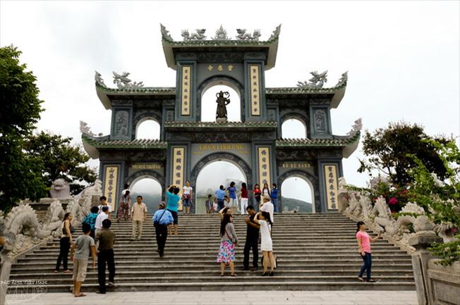 Chùa Linh Ứng Tự - một trong những điểm tham quan ở Đà Nẵng tuyệt vời