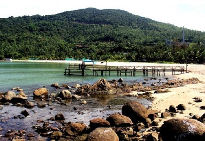 Ngây ngất vẻ đẹp hoang sơ của khu du lịch Tiên Sa Đà Nẵng