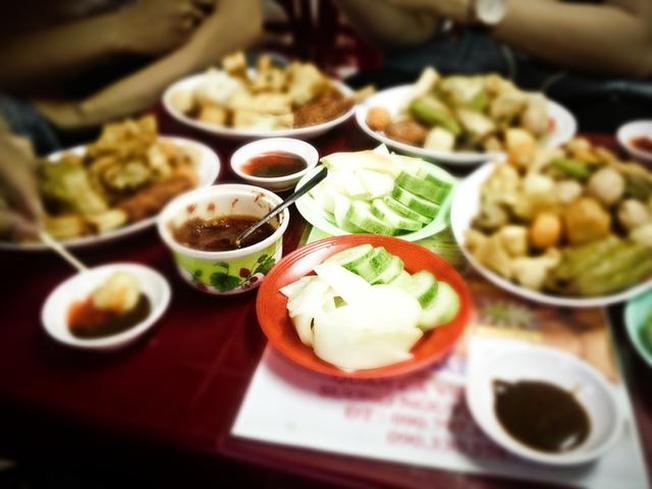 Đa dạng những món ăn vặt ở  Bùi Thị Xuân – địa điểm du lịch Đà Nẵng thu hút