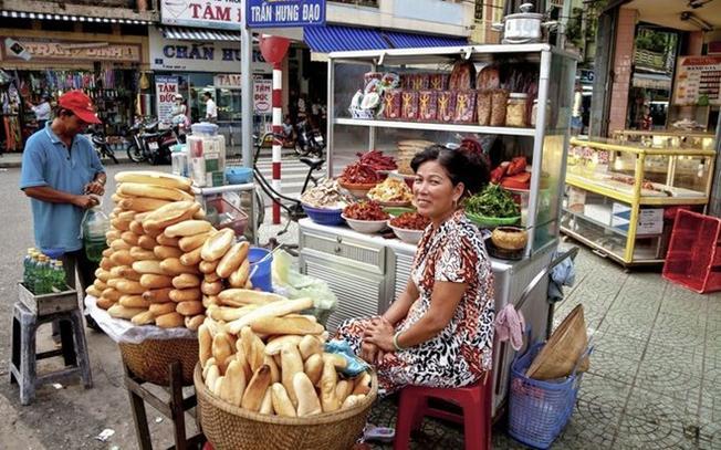 Những quầy bánh mỳ như này là hình ảnh quen thuộc ở Việt Nam