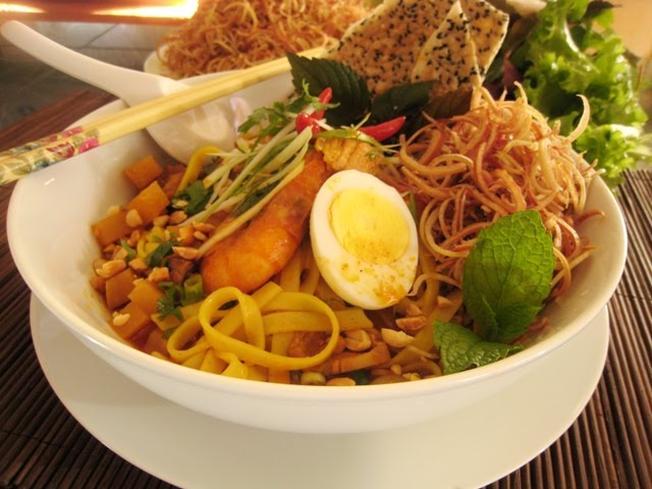 Mỳ Quảng là món ngon không thể bỏ qua khi du lịch Đà Nẵng