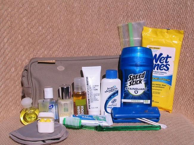 Đồ dùng vệ sinh cá nhân cũng là một trong những vật dụng cần thiết