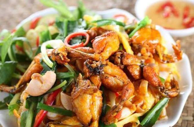 Mỳ Quảng ếch là món ăn ngon Đà Nẵng lạ miệng