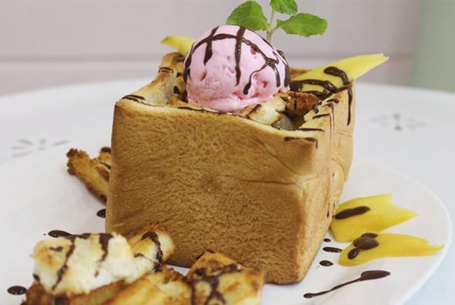 Loại bánh Toast có một không hai này nằm trong danh sách những món ăn ngon ở Đà Nẵng