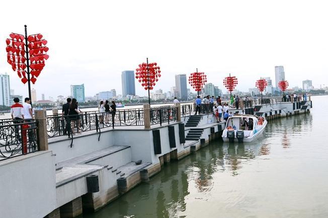 Cầu tình yêu biểu tượng du lịch mới của thành phố Đà Nẵng