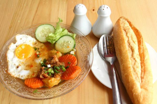 Beefsteak nổi tiếng bởi quán ăn ngon và giá vô cùng rẻ