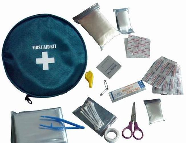 Theo kinh nghiệm du lịch Đà Nẵng nên mang theo dụng cụ y tế trong hành trình phượt của mình