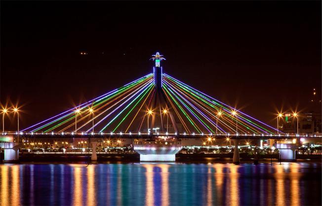 Các cây cầu nổi tiếng ở Đà Nẵng