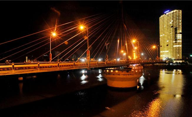 Cầu quay sông Hàn Đà Nẵng