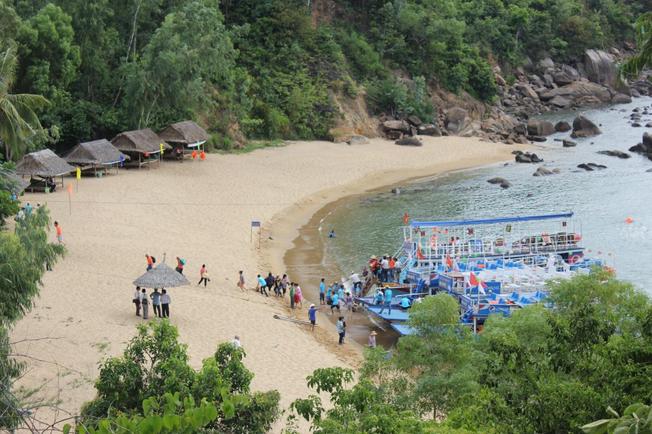 Bãi Cát Vàng địa điểm du lịch mới tại Đà Nẵng